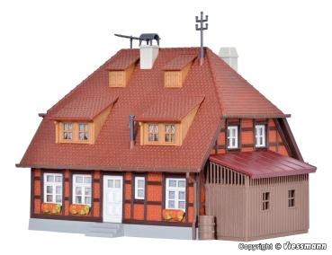 Kibri H0 38295 Stadthaus mit Figur und Hausbeleuchtungs-Startset